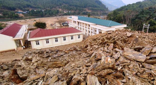 Di tản học sinh ở Thanh Hóa vì nguy cơ sạt lở đất